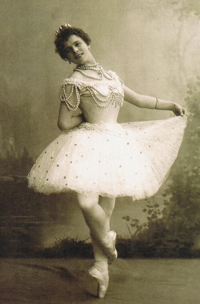 the-pearl-pierina-legnani-as-the-white-pearl-1896.jpg